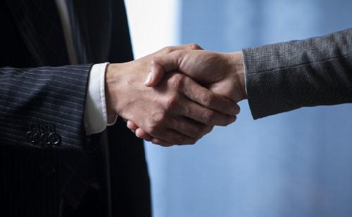 握手の様子